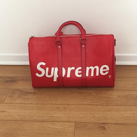84446aa2e41d Supreme x Louis Vuitton duffle bag. M 5a6d59c59d20f0cb9d99a3a1